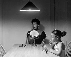Carrie Mae Weems, Woman and daughter with makeup