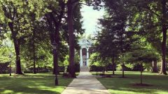 Hollins Featured in Princeton Review's Guide to Green Colleges