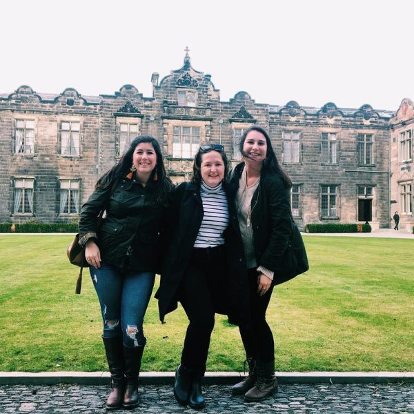 Photo of Hollins students in Scotland